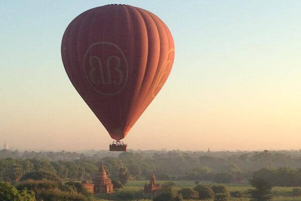 balloons over bagan close up
