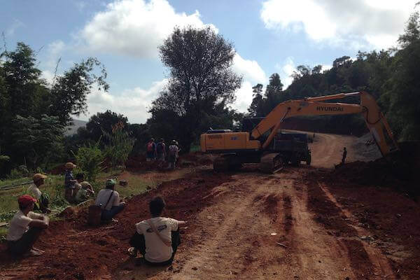 Kalaw to Inle Lake road construction