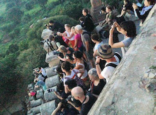 Shwesandaw pagoda sunrise busy